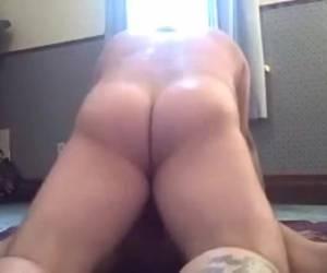 Anal vingeren neuken en in haar anus klaar komen