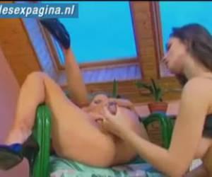 Mooie lesbische meiden geile met elkaar