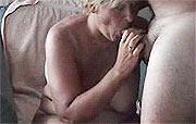 Deze oma is gek op pijpen